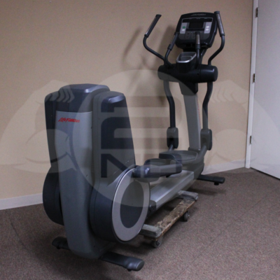 Life Fitness 95X Achieve Elliptical _ 2nd Round Fitness